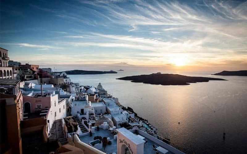 5-places-you-sho…sit-in-santorini2